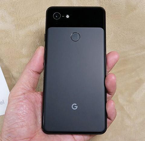 Google Pixel 3 XLの外観です