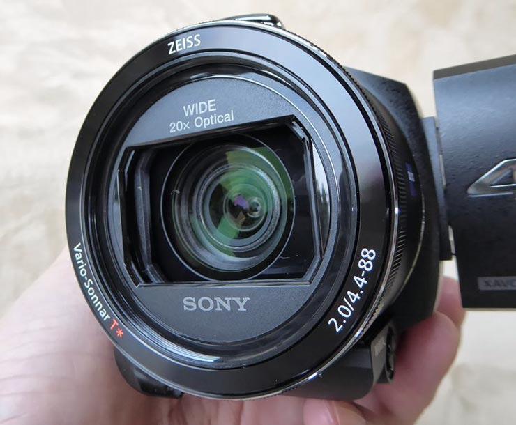 SONY FDR-AX55のレンズ