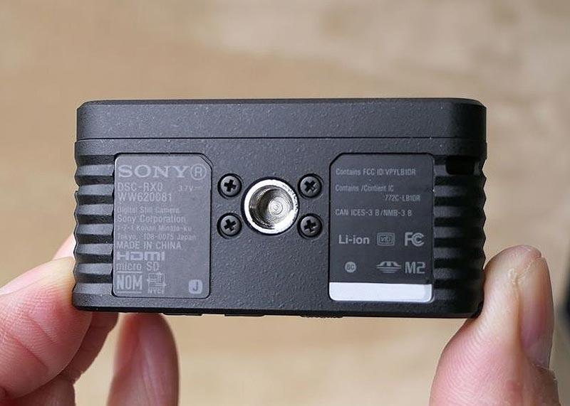 SONY DSR RX0 三脚穴
