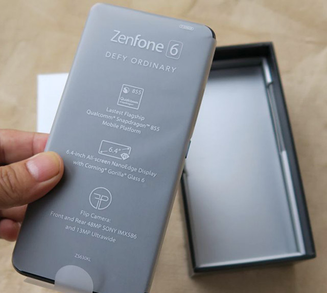 ASUS ZenFone 6の本体