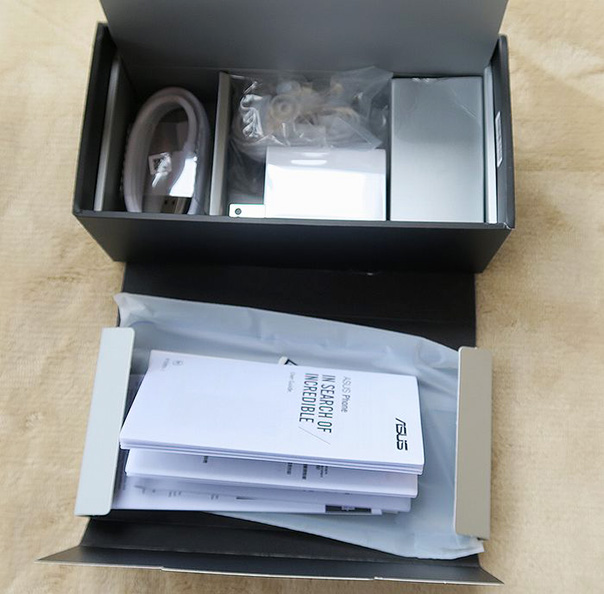 ASUS ZenFone 6の同梱物