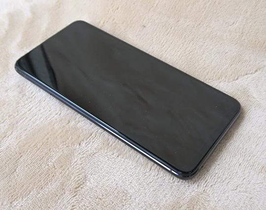 ASUS ZenFone 6の液晶画面