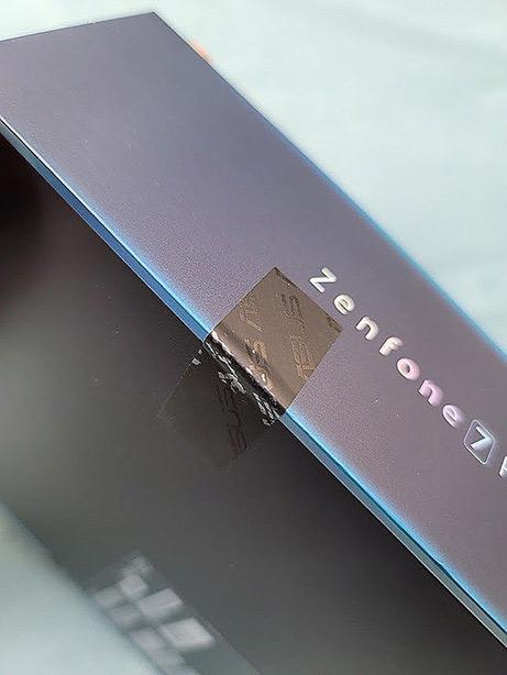 Zenfone7 Pro箱